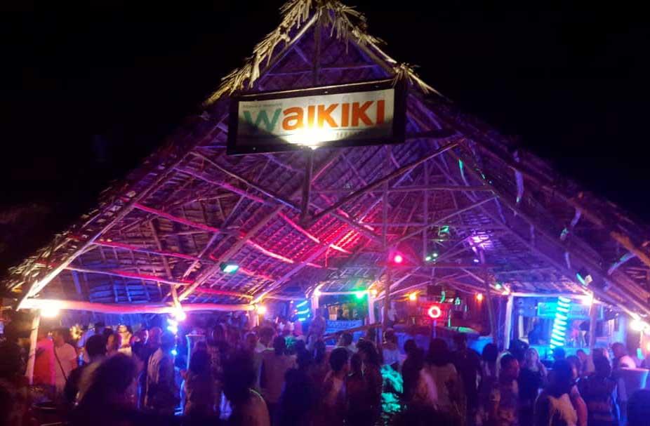 waikiki-disco-03